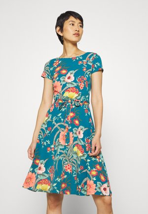 SALLY DRESS COPACABANA - Jerseykjoler - bay blue