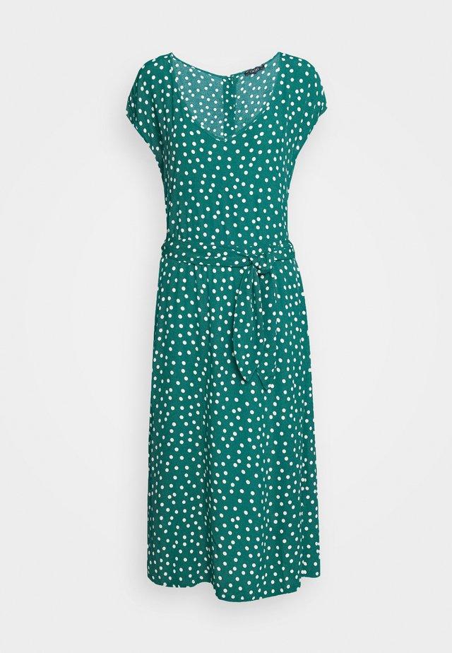 VERA LOOSE FIT DRESS DOMINO DOT - Vapaa-ajan mekko - antique green