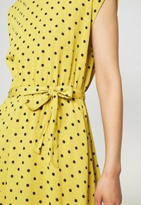 King Louie - BETTY DRESS LOOSE FIT - Denní šaty - curry yellow - 4