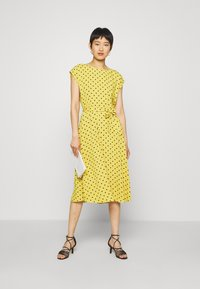 King Louie - BETTY DRESS LOOSE FIT - Denní šaty - curry yellow - 1