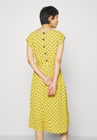 King Louie - BETTY DRESS LOOSE FIT - Denní šaty - curry yellow - 2