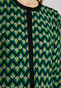 King Louie - CARDI ROUNDNECK NAMASTE - Trui - very green - 4
