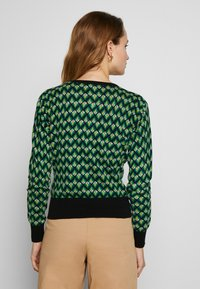 King Louie - CARDI ROUNDNECK NAMASTE - Trui - very green - 2