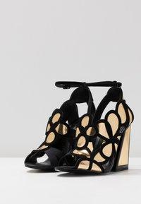 Kat Maconie - VIVI - Højhælede sandaletter / Højhælede sandaler - gold/black - 4
