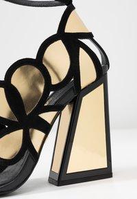 Kat Maconie - VIVI - Højhælede sandaletter / Højhælede sandaler - gold/black - 2