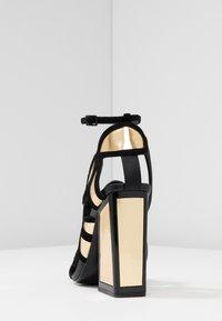 Kat Maconie - VIVI - Højhælede sandaletter / Højhælede sandaler - gold/black - 5