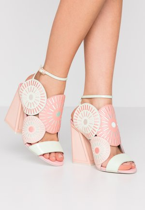 FRIDA - Sandály na vysokém podpatku - seashell/multicolor