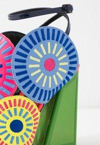 Kat Maconie - FRIDA - Sandály na vysokém podpatku - glitch/multicolor - 2