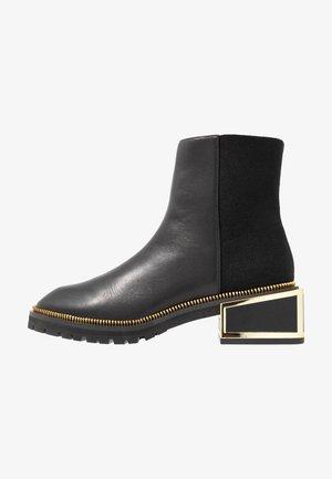 NORMA - Kotníkové boty - black