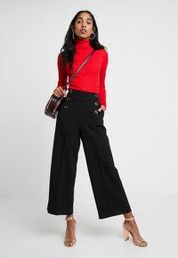 Karen Millen - SLEEK SHARP SUMMER COLLECTION - Trousers - black - 1