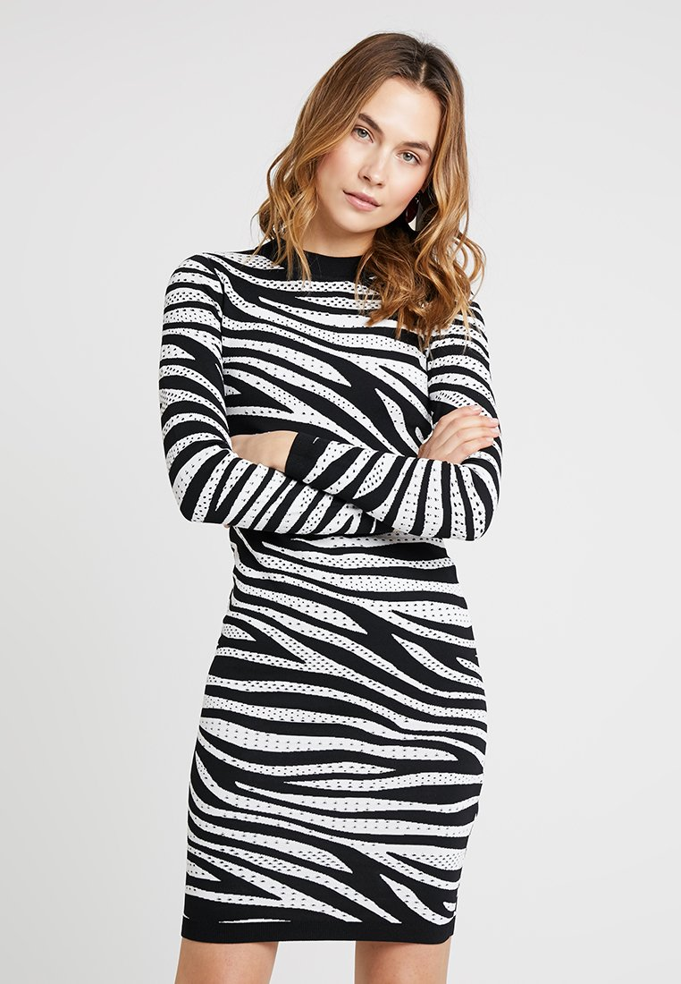 Karen Millen - ZEBRA SKINNY COLLECTION - Strickkleid - black/white