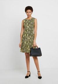 Karen Millen - SNAKE PRINT COLLECTION - Day dress - yellow - 1