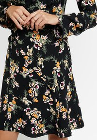 Karen Millen - DARK DAISY PRINT - Day dress - multicolour - 5