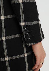 Karen Millen - BOLD CHECK WRAP COAT - Classic coat - black/multi - 3