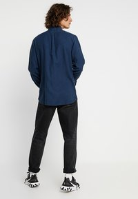 Knowledge Cotton Apparel - ZIG ZAK SHIRT - Košile - dark denim - 2