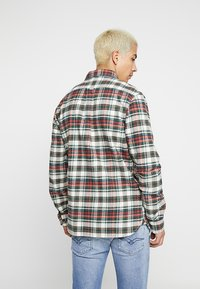Knowledge Cotton Apparel - CHECKED - Košile - green forest - 2