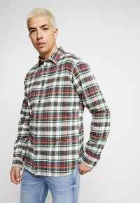 Knowledge Cotton Apparel - CHECKED - Košile - green forest - 0