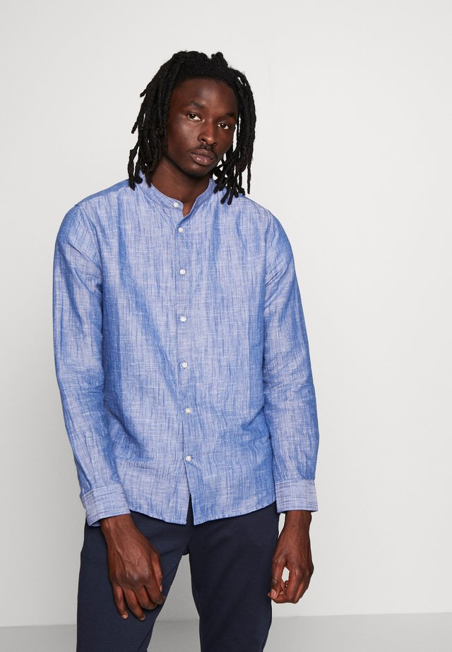 LARCH STAND UP COLLAR - Shirt - surf the web