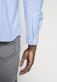 Knowledge Cotton Apparel - ELDER SMALL OWL OXFORD - Shirt - lapis blue - 5