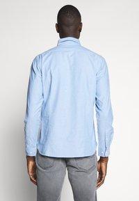 Knowledge Cotton Apparel - ELDER SMALL OWL OXFORD - Shirt - lapis blue - 2