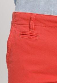 Knowledge Cotton Apparel - PISTOL JOE - Chino kalhoty - spiced coral - 3