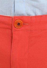 Knowledge Cotton Apparel - PISTOL JOE - Chino kalhoty - spiced coral - 4
