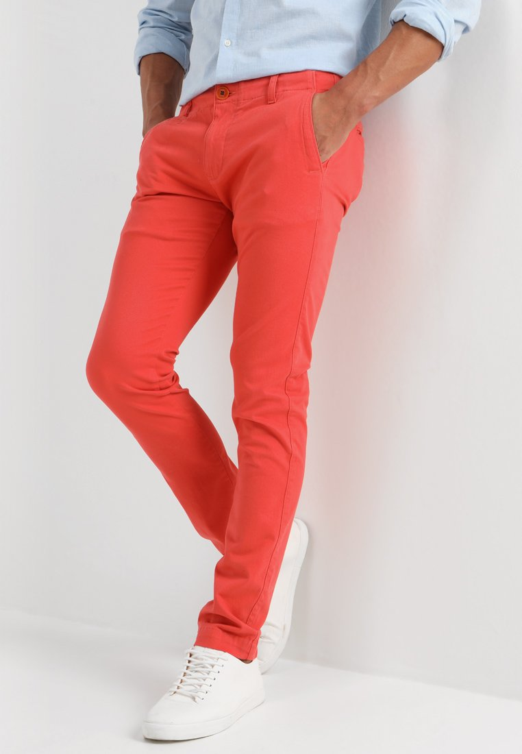 Knowledge Cotton Apparel - PISTOL JOE - Chinos - spiced coral