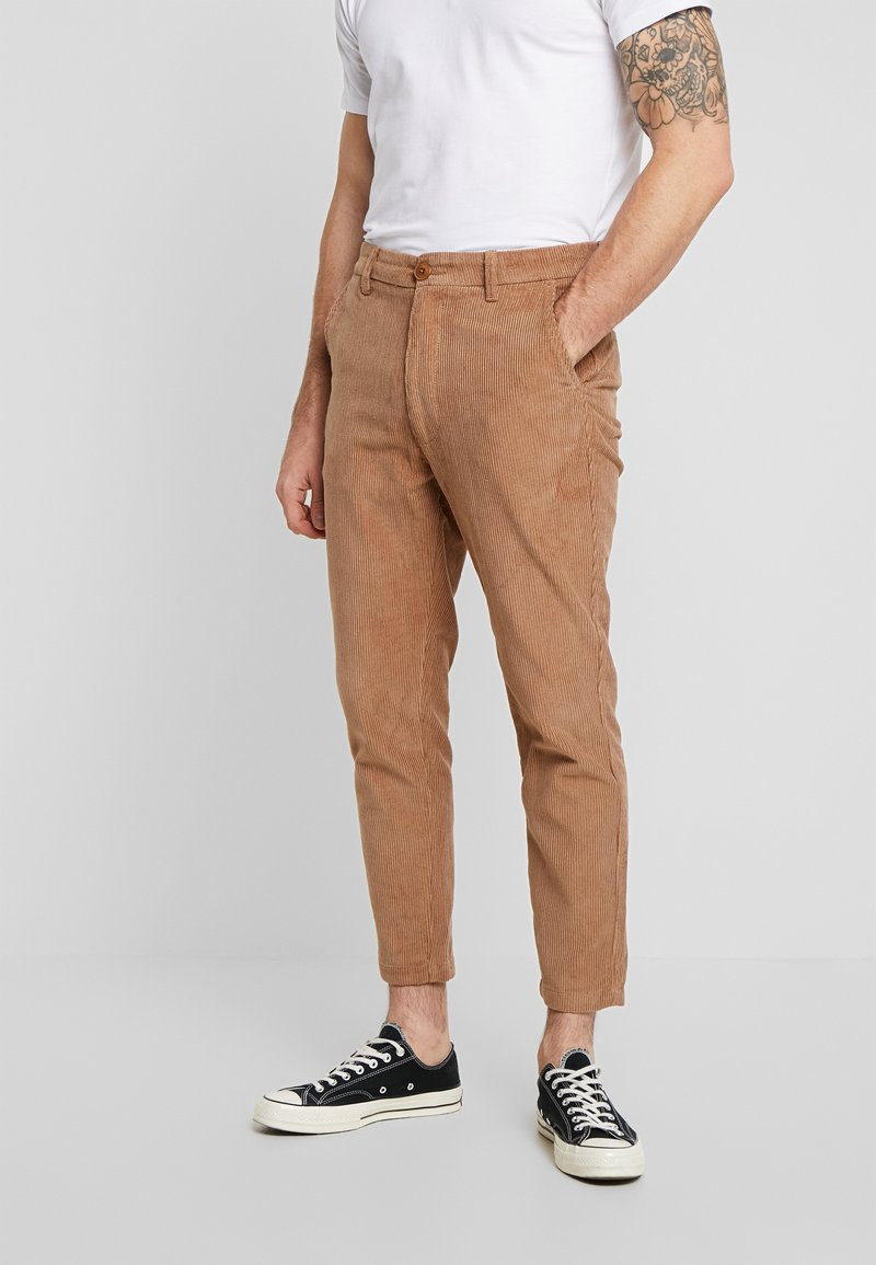 Knowledge Cotton Apparel - BOB WALES CROPPED CORDUROY  GOTS - Trousers - tuffet