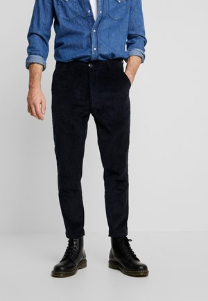 BOB WALES CROPPED CORDUROY  GOTS - Trousers - total eclipse