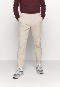 Knowledge Cotton Apparel - CHUCK LOOSE CHINO - Chinot - light feather gray - 0