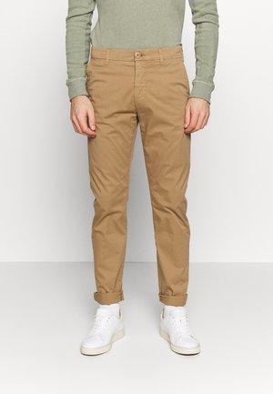 BIRCH LOOSE - Chino kalhoty - tuffet