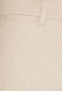 Knowledge Cotton Apparel - CHUCK REGULAR PANT - Broek - beige - 2