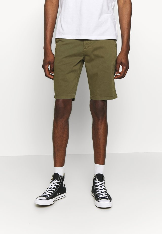 CHUCK REGULAR  - Shorts - burned olive
