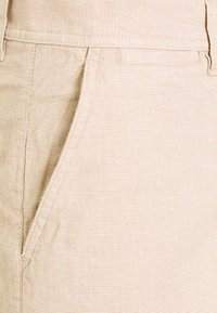 Knowledge Cotton Apparel - CHUCK REGULAR - Shorts - beige - 2