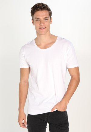 BASIC FIT O-NECK - T-shirts - offwhite