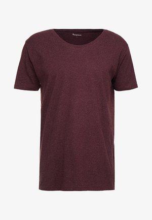 BASIC FIT O-NECK - Basic T-shirt - decadent choklade melange