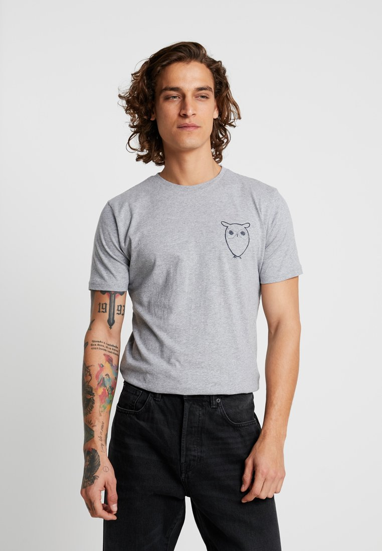 Knowledge Cotton Apparel - WITH OWL CHEST LOGO  - Print T-shirt - grey melange