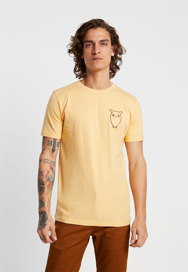 Knowledge Cotton Apparel - WITH OWL CHEST LOGO  - T-Shirt print - banana melange