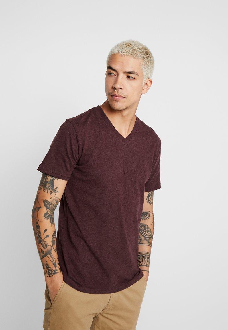 Knowledge Cotton Apparel - BASIC REGULAR FIT V-NECK TEE - T-Shirt basic - decadent choklade melange