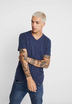 BASIC REGULAR FIT V-NECK TEE - Jednoduché triko - insigna blue melange