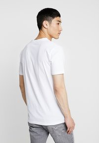 Knowledge Cotton Apparel - BIG OWL - T-shirt print - bright white - 2