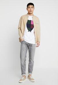 Knowledge Cotton Apparel - BIG OWL - T-shirt print - bright white - 1