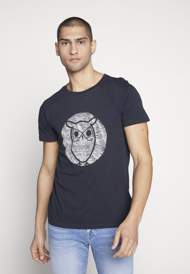 ALDER WAVE OWL TEE - T-shirt med print - total eclipse