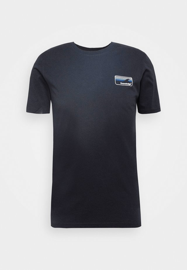ALDER KNOWLEDE TEE - T-shirt - bas - dark blue