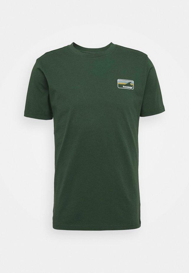 ALDER KNOWLEDE TEE - T-shirt basic - green