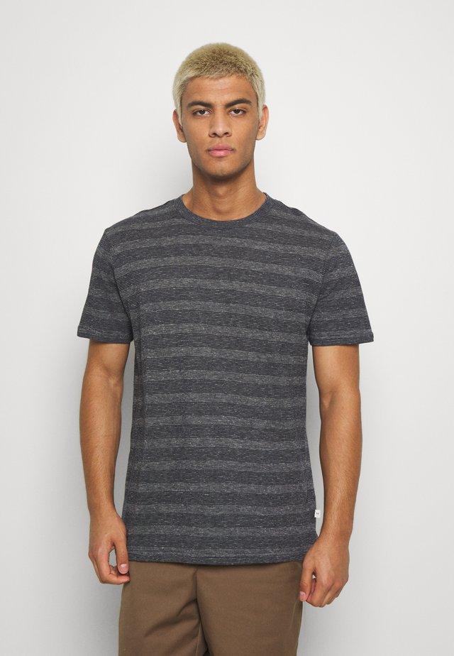 ALDER STRIPED TEE - T-shirt print - dark blue