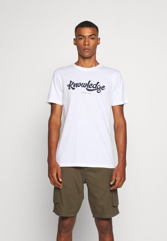 ALDER BIG TEE - T-shirt z nadrukiem - 1010