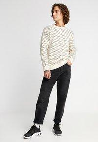 Knowledge Cotton Apparel - O-NECK - Sweter - winter white - 1