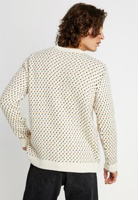Knowledge Cotton Apparel - O-NECK - Sweter - winter white - 2