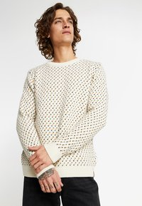 Knowledge Cotton Apparel - O-NECK - Sweter - winter white - 0
